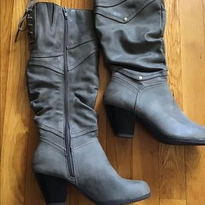 GREY faux leather tie detail boots by BONGO sz 7.5